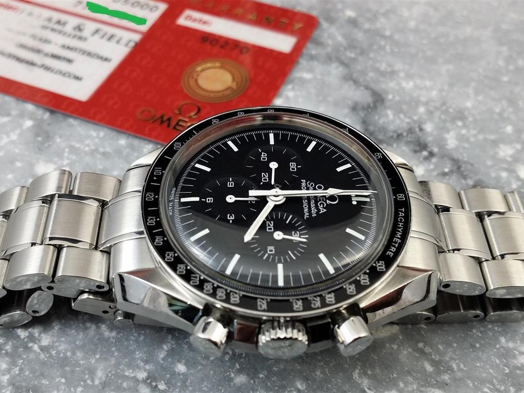 1_omega-speedmaster-moonwatch-2009-16