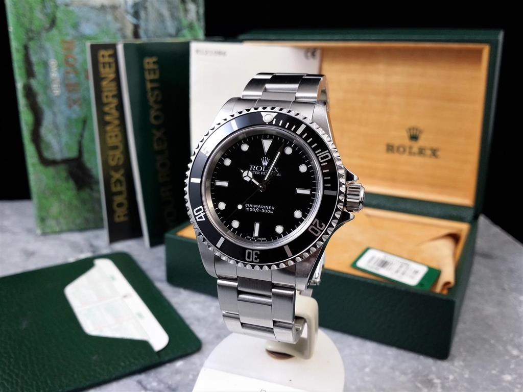 1_rolex-submariner-no-date-14060m-2001-3
