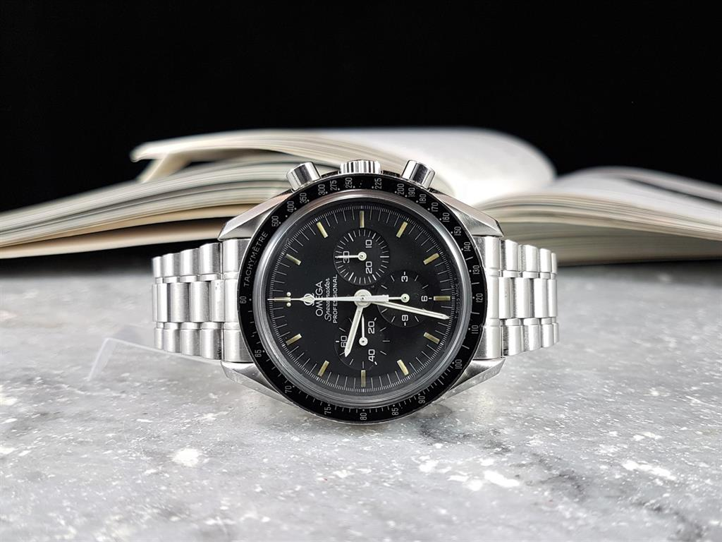 1_omega-speedmaster-moonwatch-ref-145022-1996-7