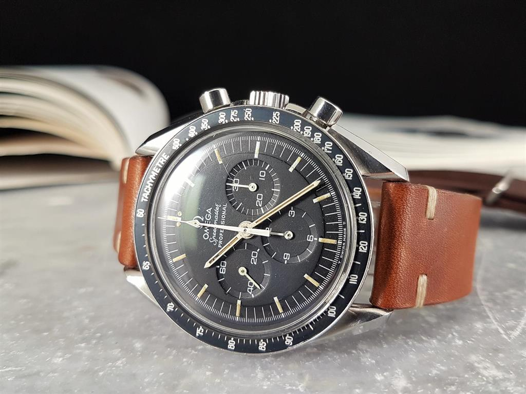 1_omega-speedmaster-moonwatch-14502271st-stepped-