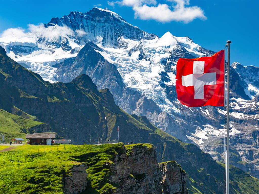 methodos-watches-swiss-mountains-and-flag